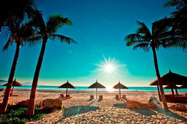 Kết quả hình ảnh cho du lịch biển bãi dài  nha trang