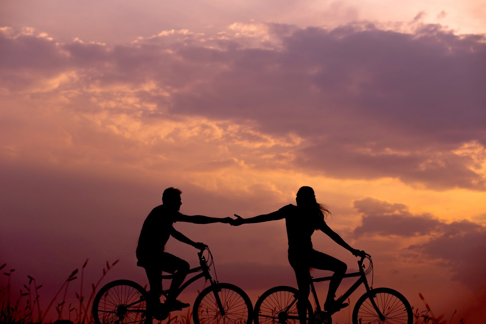 Couple getaway Utah with a bicycle ride
