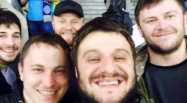На фото с Аваковым-младшим в бейсболке Сергей Коротких, он же Боцман