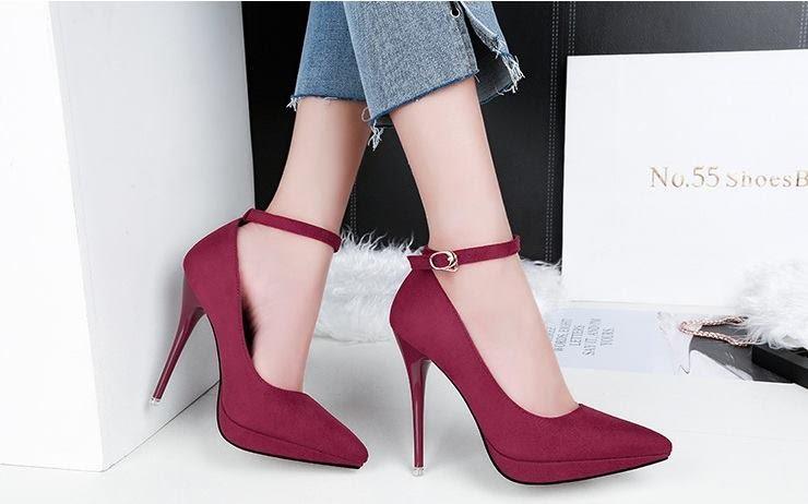 Phụ nữ chân to có nên đi giày cao gót