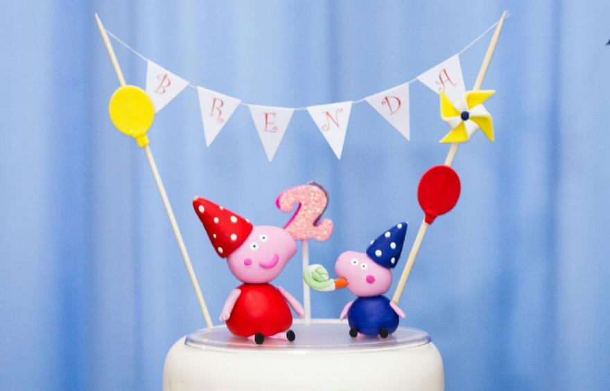 topo de bolo de aniversário tema Peppa Pig