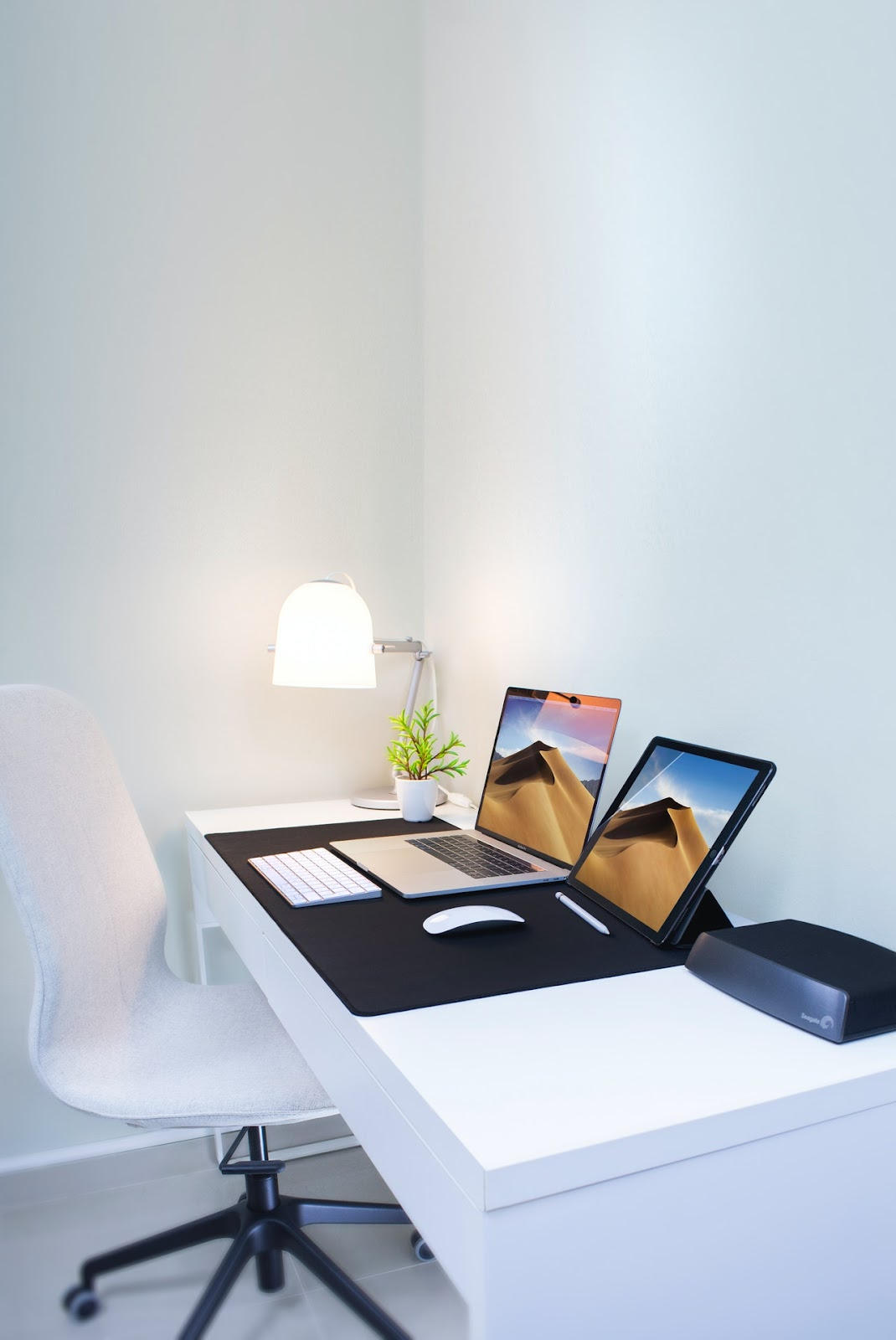 Productive home office workstation
