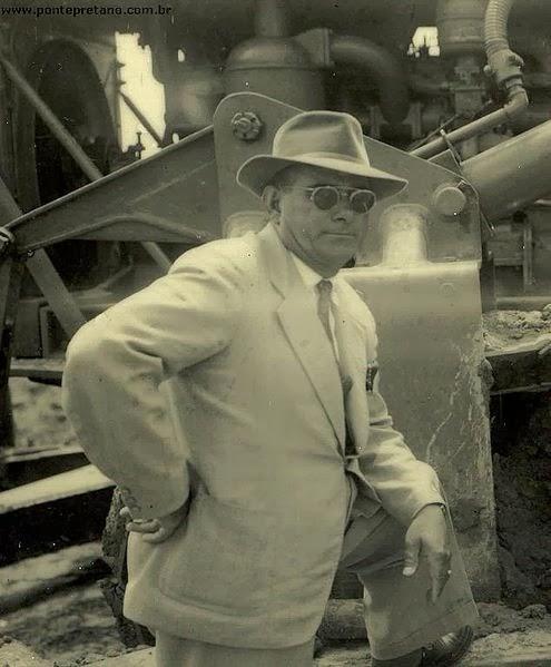 Moysés Lucarelli na construção do estádio wikipédia