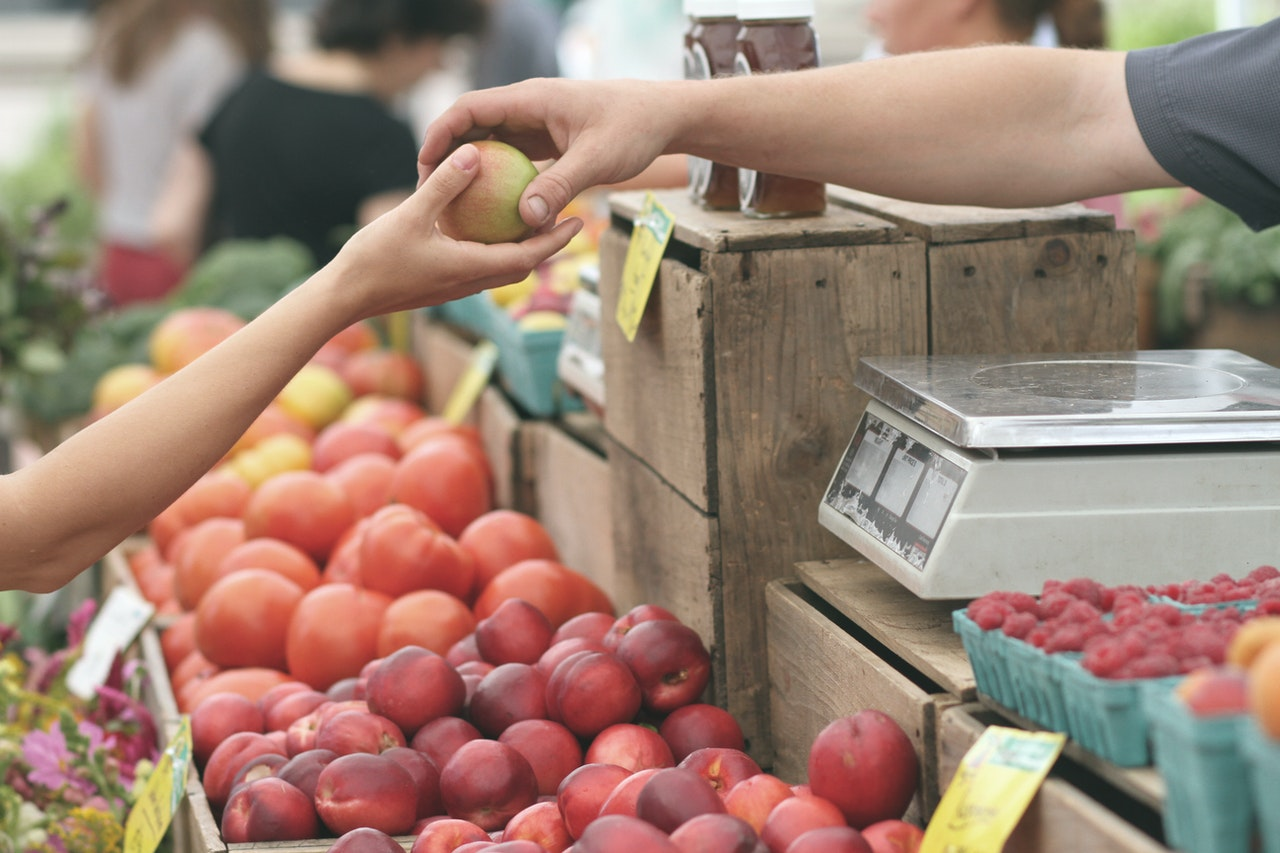 Try new foods at the Rogers Park Farmers Market.