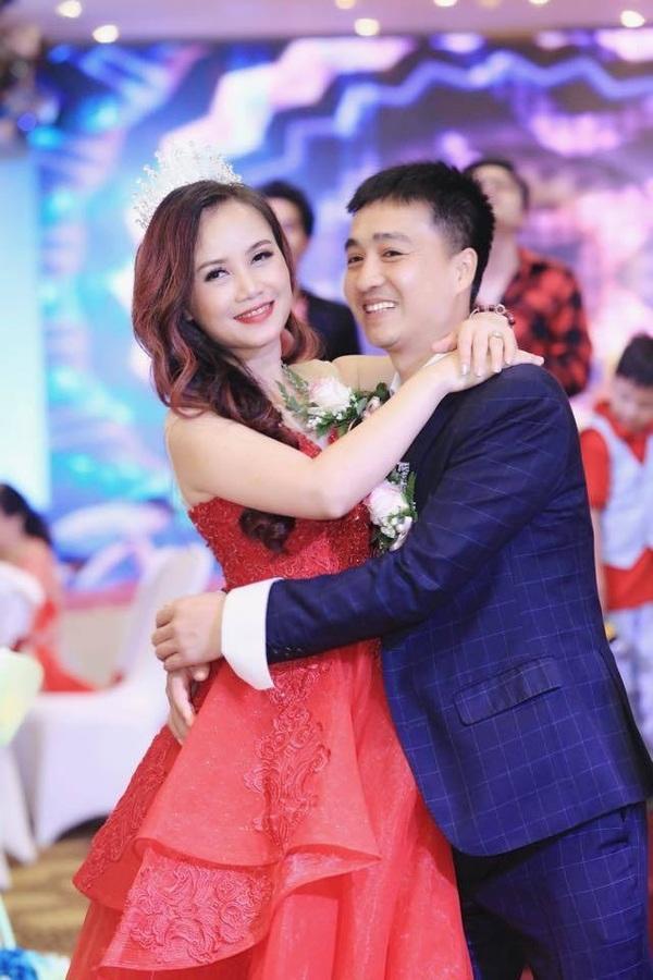 Nữ diễn viên Hoàng Yến và người chồng thứ 4. (Ảnh: FBNV) - Tin sao Viet - Tin tuc sao Viet - Scandal sao Viet - Tin tuc cua Sao - Tin cua Sao