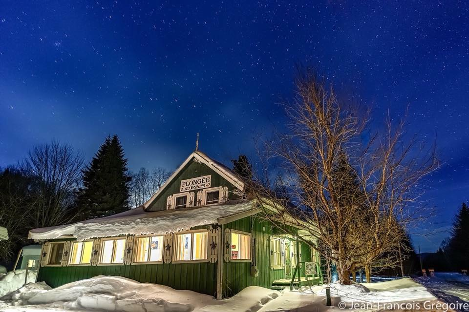 Cottages for rent with 6 bedrooms and more in Quebec #7