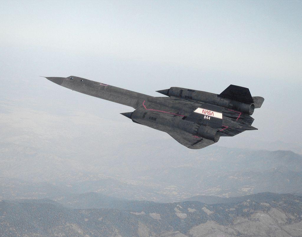 1024px-SR-71_in_flight