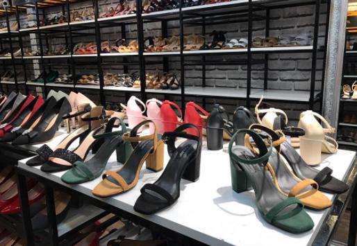 Tìm nguồn hàng phân phối giày dép