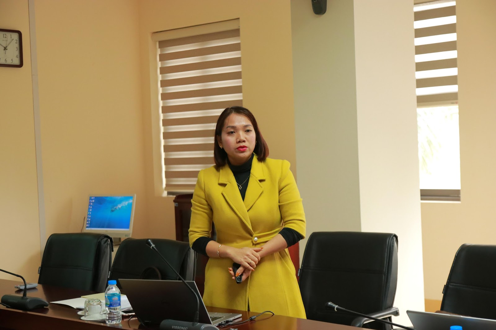 TS. Nguyễn Thị Hằng trình bày về Định hướng phát triển CTĐT Quản trị - Kinh doanh – Kinh tế số