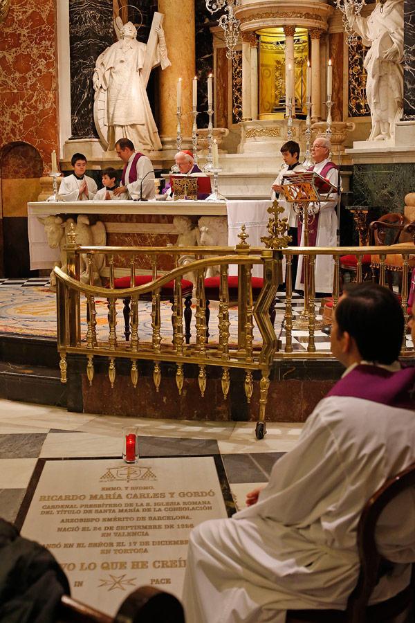 http://www.archivalencia.org/documentos/ficheros_noticias/Funeral-Carles-int1.jpg
