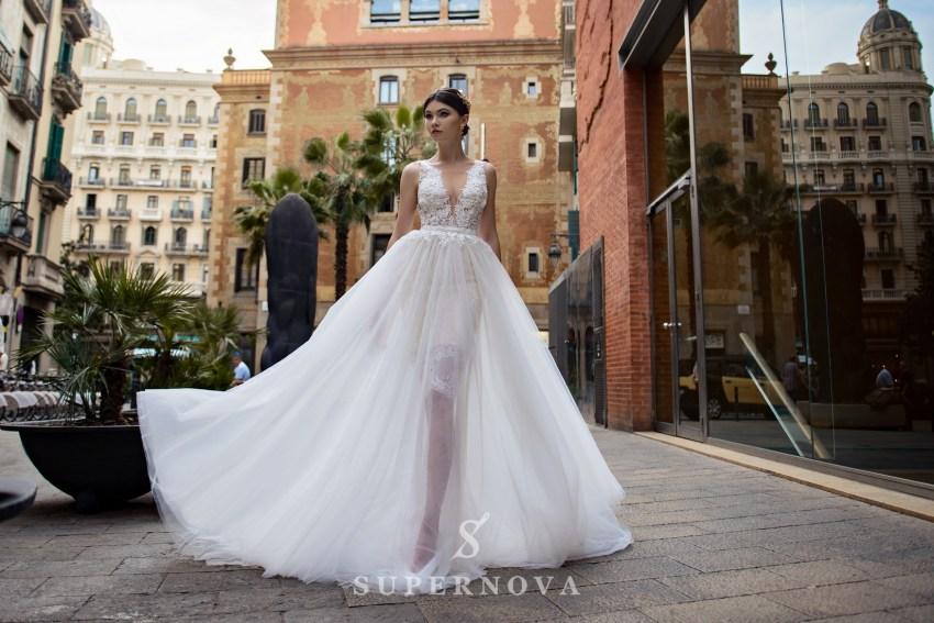 Разнообразие моделей свадебных платьев для салонов оптом