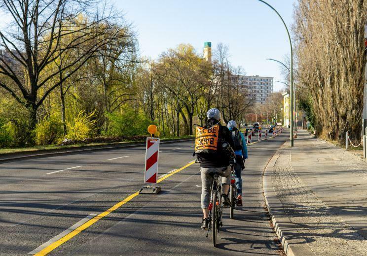 Die Parkspur fällt weg: Senat gibt Berliner Bezirken Tipps für Pop ...