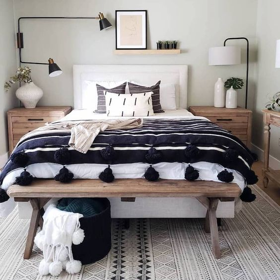DIY Your Own Bed Bench And Use The Space Under The Sitting