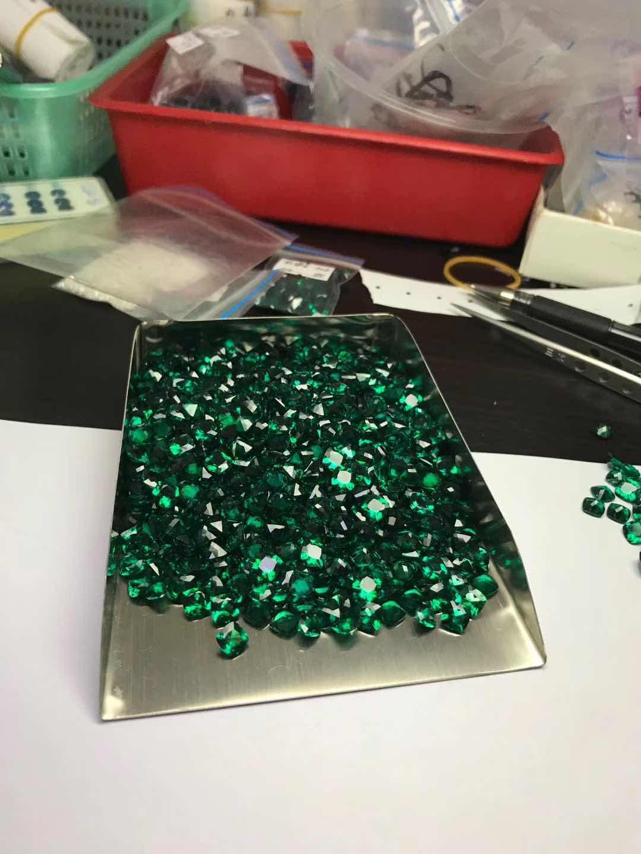 Lab-created-Hydrothermal-Emerald-Green-gemstones-China