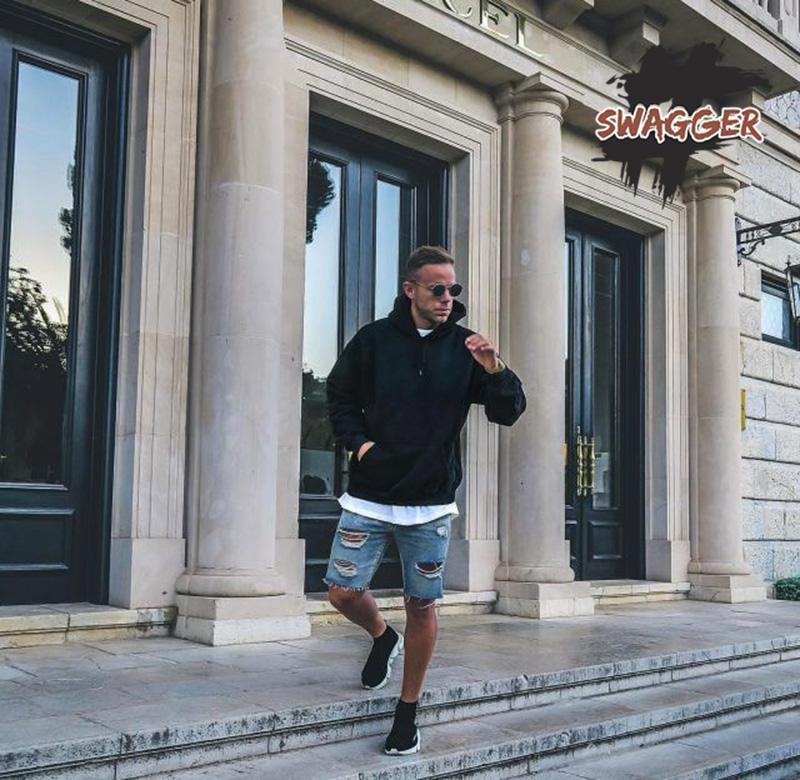 Có cần mua một đôi Balenciaga speed trainer real hay không?