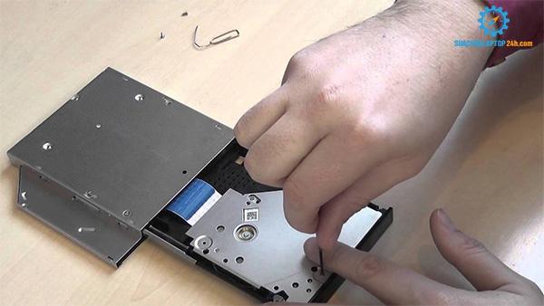 sửa ổ đĩa laptop
