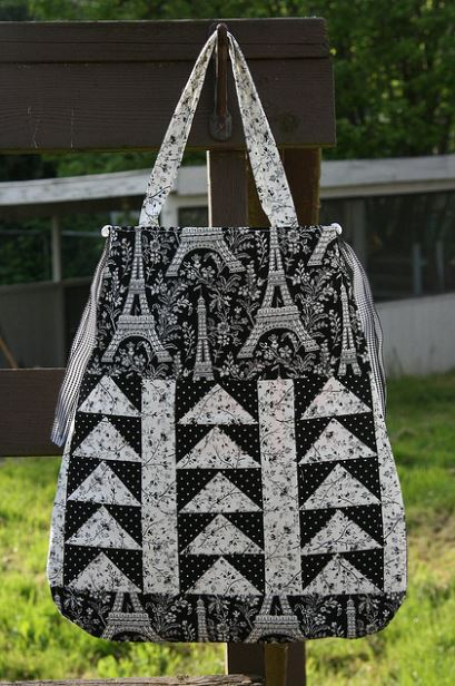 Front of Summertime Quilted Tote
