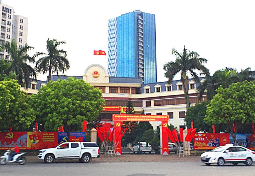 http://www.hanoimoi.com.vn/Uploads/images/tuandiep/2020/07/20/Tru-so-Quan-uy-Tay-Ho-trang.jpg