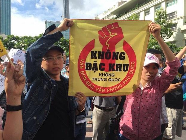Image result for images for biểu tình phản đối luật đặc khu kinh tế
