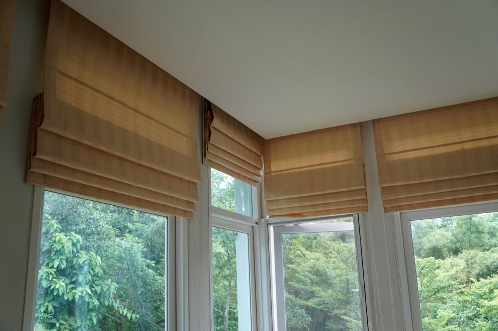 How to Choose Roman Blinds that Suit your Home Office