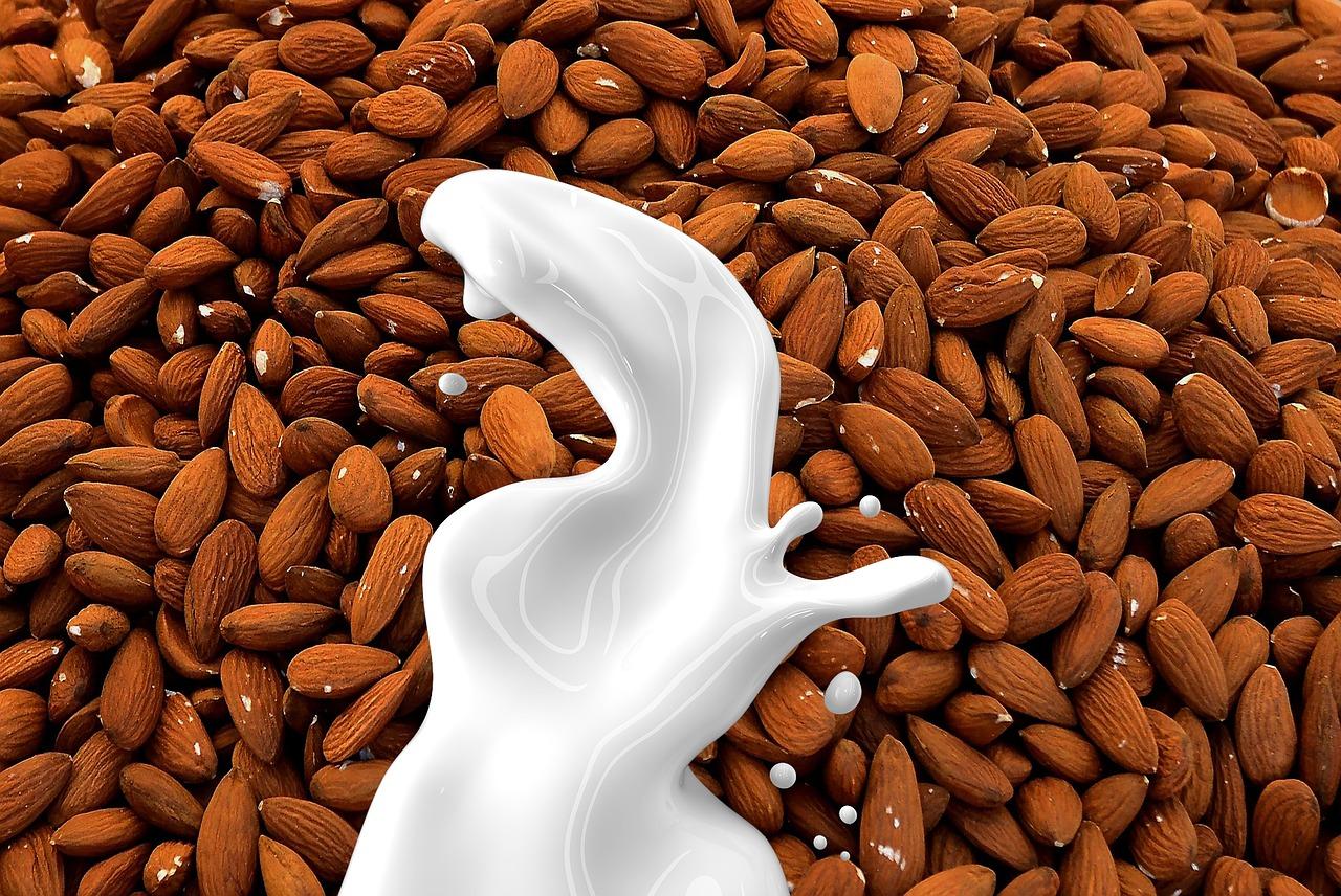 almond-milk-1623610_1280.jpg