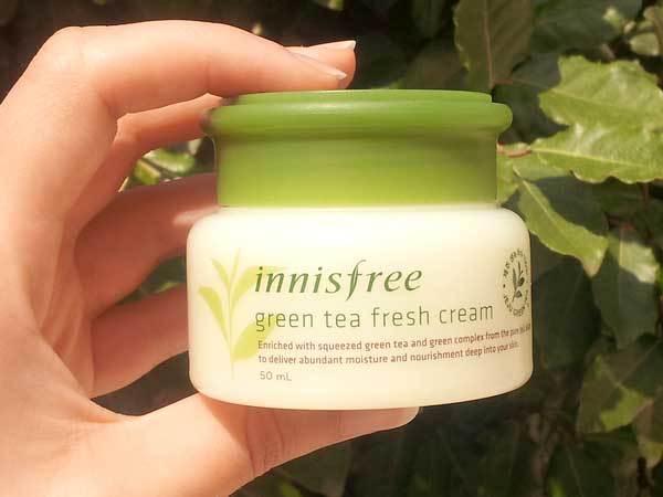 Kem dưỡng ẩm cho da dầu Innisfree Green tea fresh skin