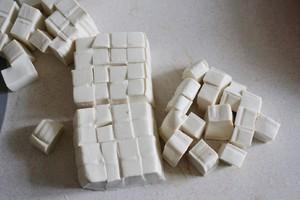 红烧豆腐的做法 步骤1