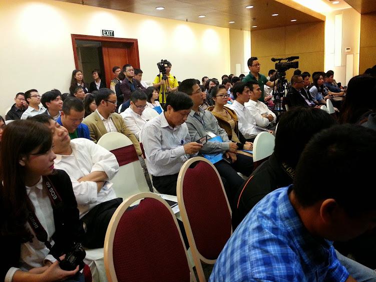 họp báo công bố sơ khảo nhân tài đất việt  2014