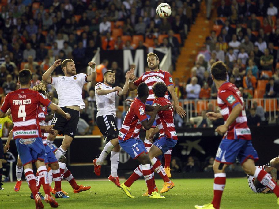 http://www.mundodeportivo.com/r/GODO/MD/p3/Futbol/Imagenes/2015/04/27/Recortada/20150427-635657672978188991_20150427213728-kaEH--911x683@MundoDeportivo-Web.jpg