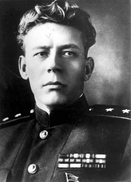 Огольцов Сергей Иванович (1900—1976) — деятель советских органов госбезопасности, генерал-лейтенант (1945), в 1959 году лишён этого звания. Депутат Верховного Совета СССР II созыва.