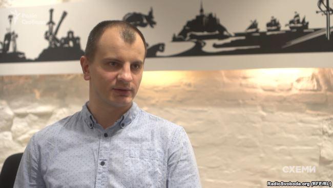 Сам Євген Карась зеперечив свою наближеність до президентського політтабору