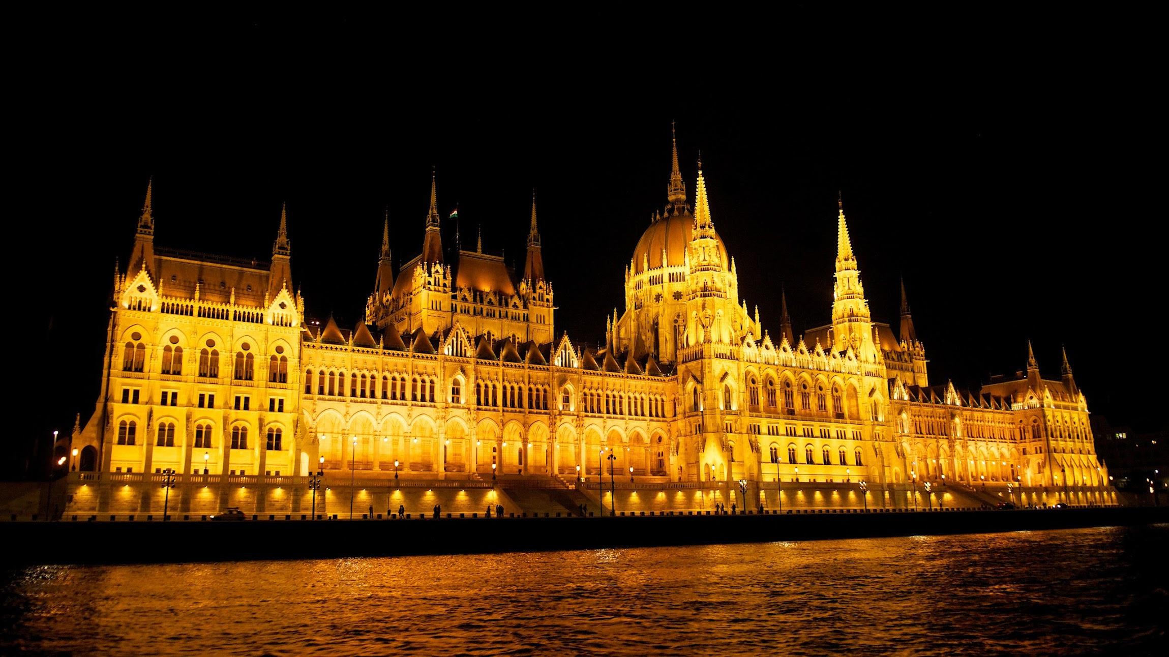 Картинки по запросу будапешт ночной парламент
