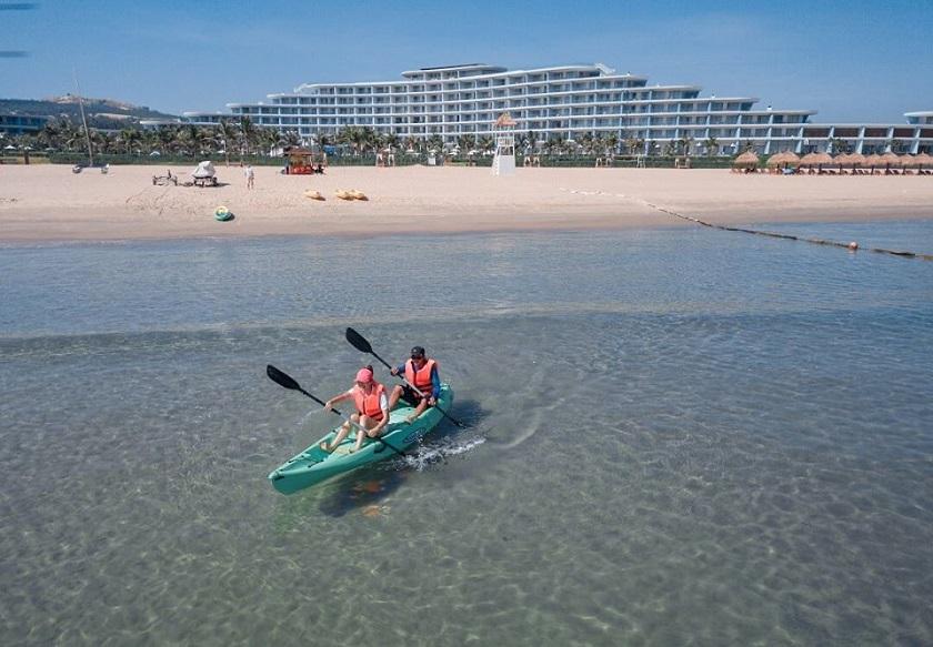 chèo thuyền kayak trên biển Quy Nhơn
