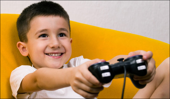 Kid-playin-games_68_980459a.jpg