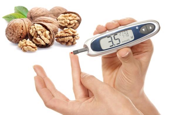 Hạt óc chó kiểm soát đường huyết, phòng bệnh tiểu đường