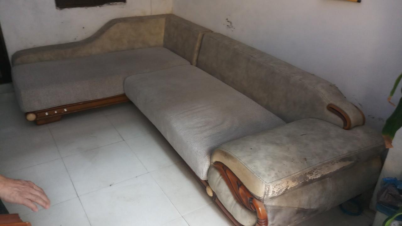 Ghế sofa sau thời gian sử dụng có dấu hiệu mốc bẩn