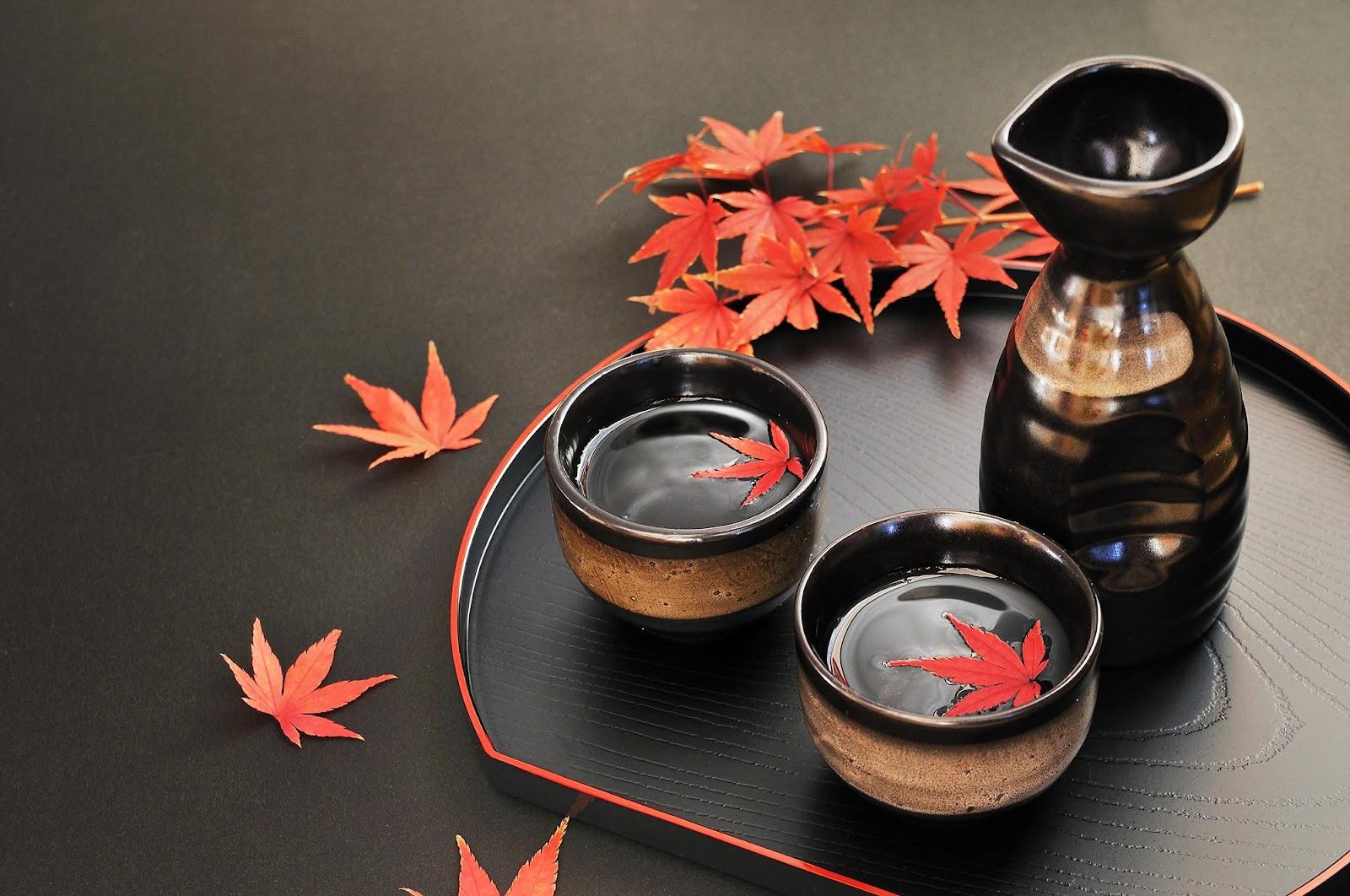 Image result for rượu Sake truyền thống