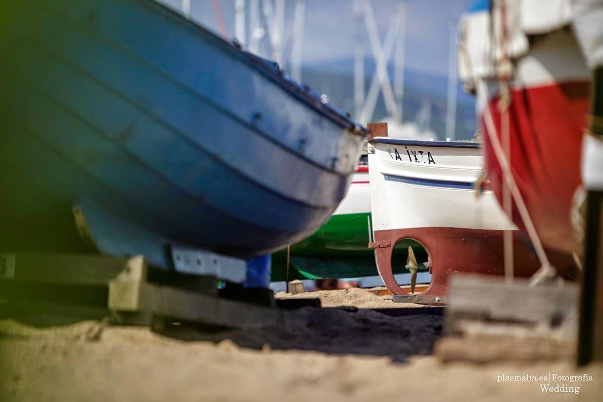 Fotografía de barcas en el puerto.