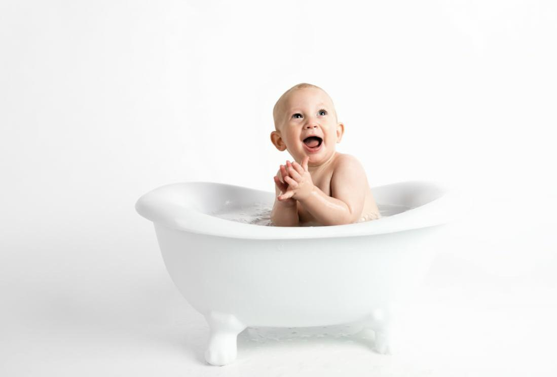 The Complete Guide For Bathing Your Baby % - % The Voice Of Woman