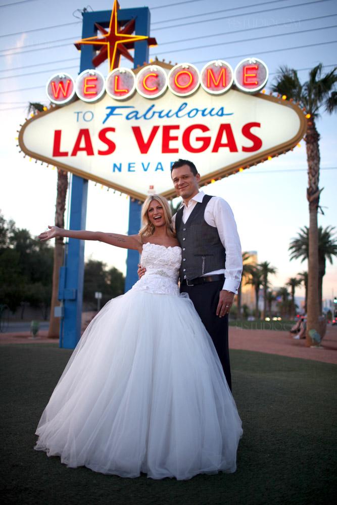 Las Vegas Destination Wedding Credit To 34studio Jpg
