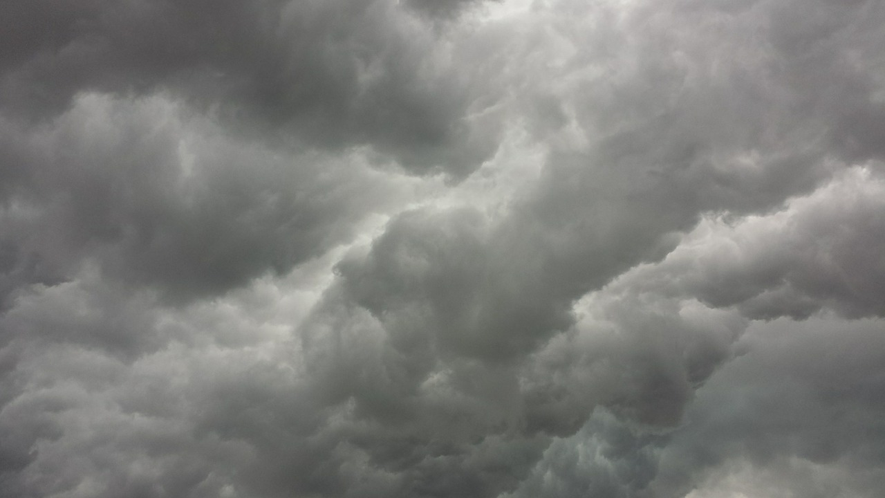 storm-clouds-426271_1280.jpg