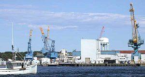 C:UsersCoeffDesktopArmy Base PicsNS Portsmouth Navy Base in Portsmouth, ME300px-Portsmouth_Naval_Shipyard.jpg