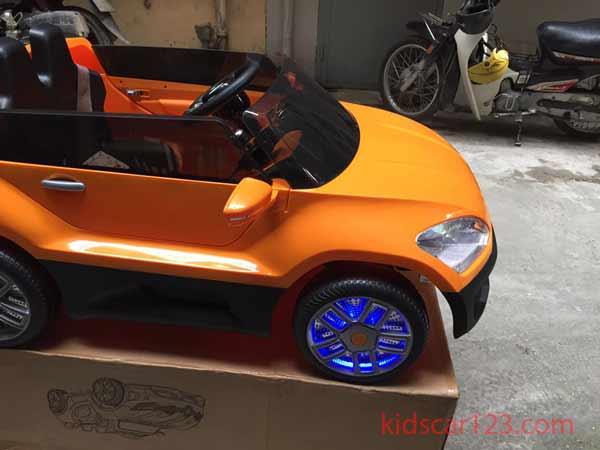 xe ô tô điện trẻ em YH-810 màu vàng chanh