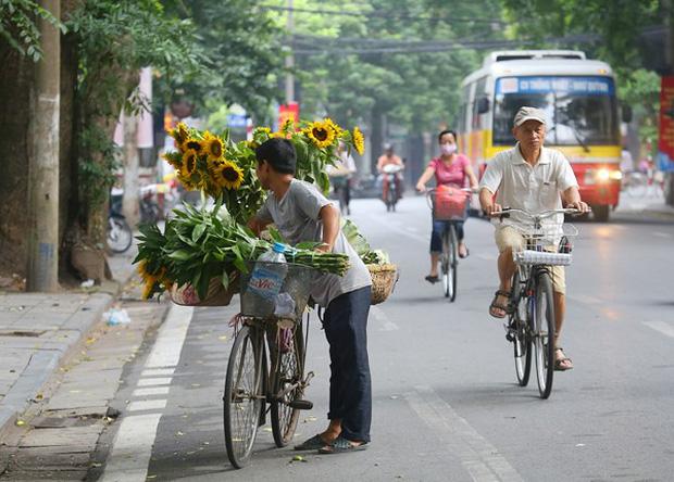 Báo Tây so sánh: Hà Nội - Sài Gòn, du lịch ở đâu cũng thú vị! - Ảnh 3.