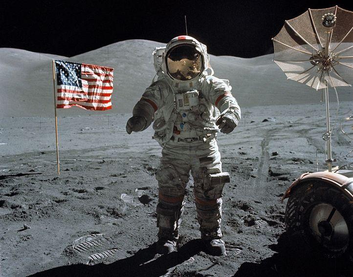 10 Teori konspirasi ini bikin geger dunia, apakah sejarah dipelintir?