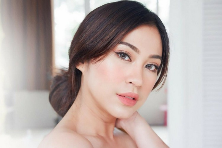 Luncurkan Lipstik Beraroma Kopi, SASC Gandeng Tyna Kanna Mirdad