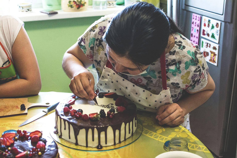 чем пишут надписи на тортах