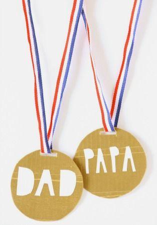 educaciondocente-medalla-super-papa