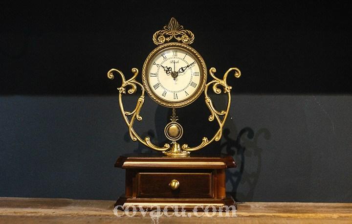 Mẫu thiết kế đồng hồ có thể làm bật lên sự sang trọng cho toàn bộ không gian ngôi nhà bạn