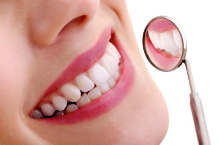 Lấy cao răng bằng máy siêu âm có đau không? 1